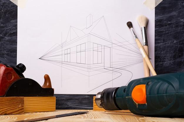 多数の作業ツールと設計図