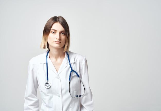 Медсестра в медицинской униформе медицинского работника