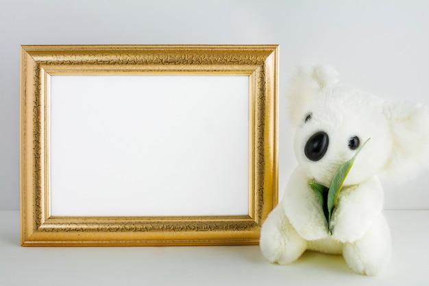 Макет рамки детской с медведем коала