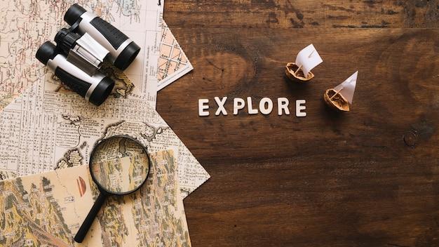 간단히 말해서 보트와 여행 물건 근처에서 글쓰기를 탐험하십시오.