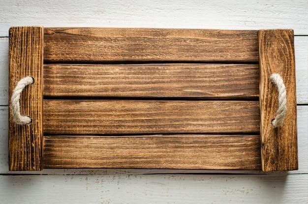 手作りの木製の空のトレイo