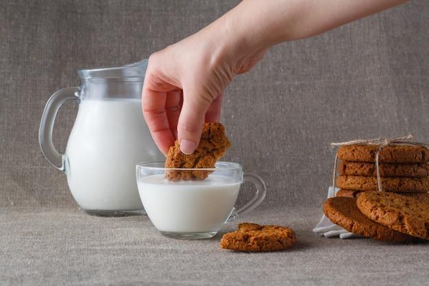 Печенье овсяное в молоке