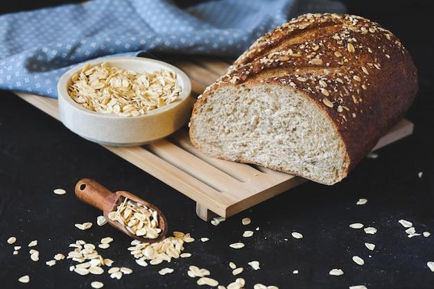 オート麦の全粒粉パン