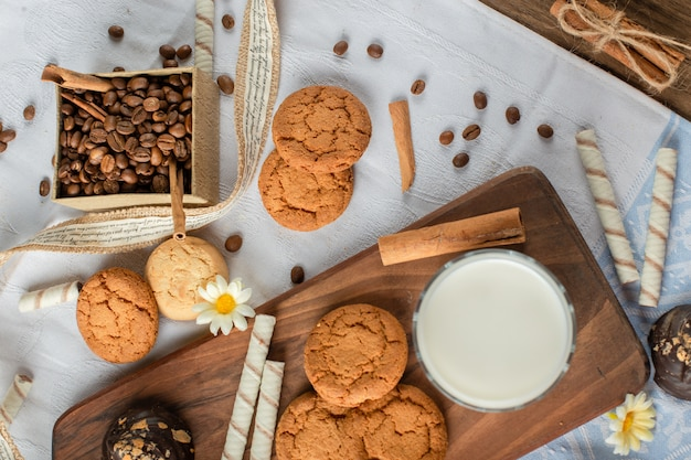 Oatmeal cookies with a glass of milk