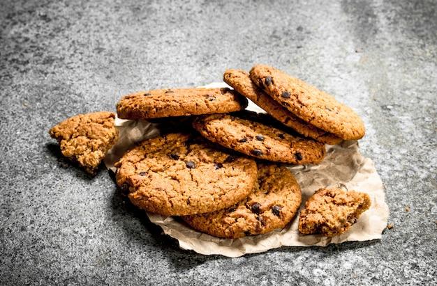 オートミールの新鮮なクッキー。
