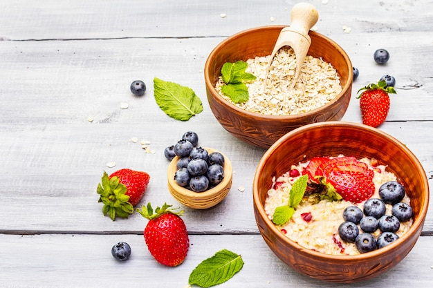 Oatmeal with fresh berries and mint