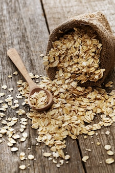 Oats out of a sackcloth