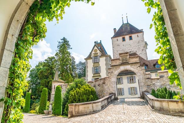 スイスのオーバーホーフェン城