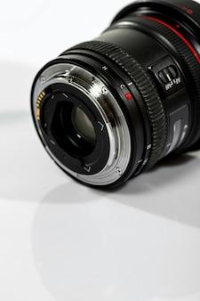 Объектив камеры с открытой линзой