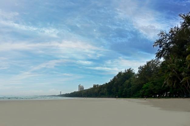 Океанский пляж и песок