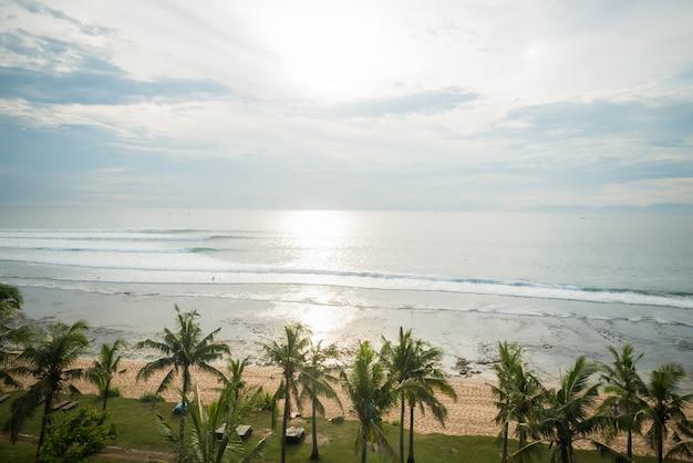 Океанское побережье на бали
