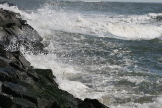 Ocean waves, rocks