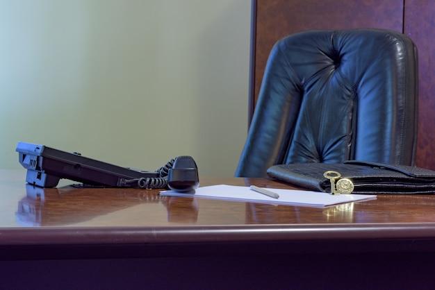 전화 사무실 책상