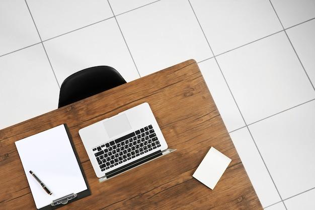 Стол офисный для встреч, вид сверху