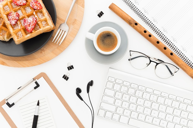 Strumenti per ufficio e waffle