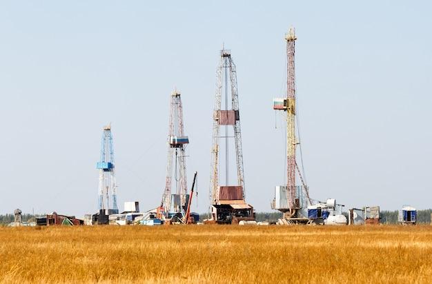 Нефтегазовая буровая установка в россии