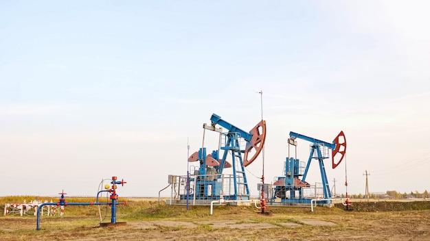 Масляный насос. оборудование нефтяной промышленности крупным планом