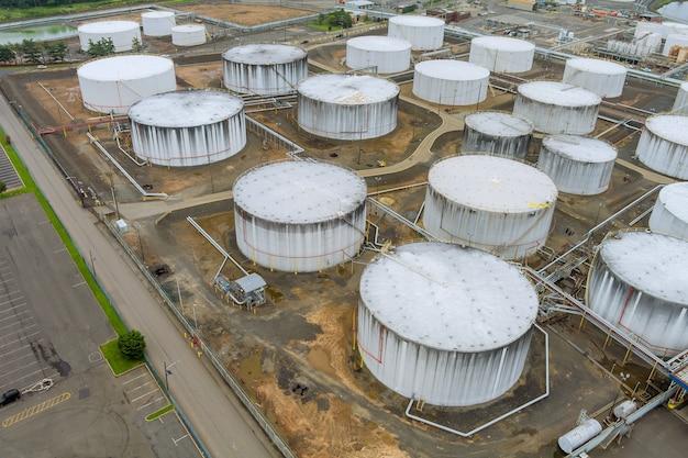 석유 탱크 산업 석유 파이프라인 공장 장비의 산업 영역 위에서 정유 공장