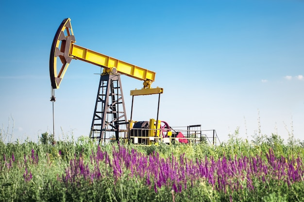 石油掘削装置のポンプジャック燃料産業