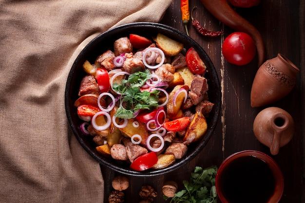 オジャクリレシピ、肉入りポテト、グルジアの伝統料理