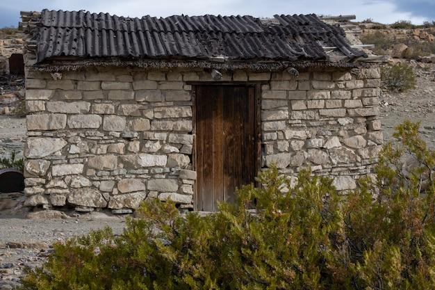 アルゼンチンのガウチョの古い日干しの家。