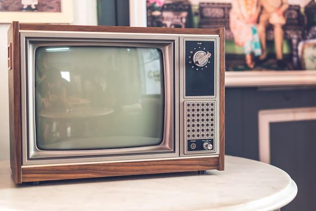 오래되고 골동품 텔레비전