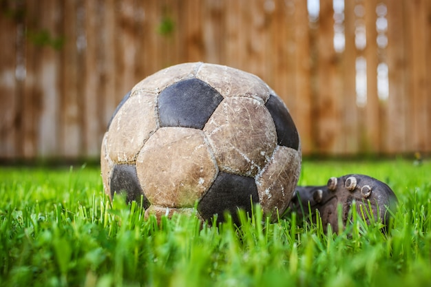 Old ball to play football, details of the sport