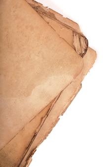 影のある古い本のページ。クリッピングパスあり。