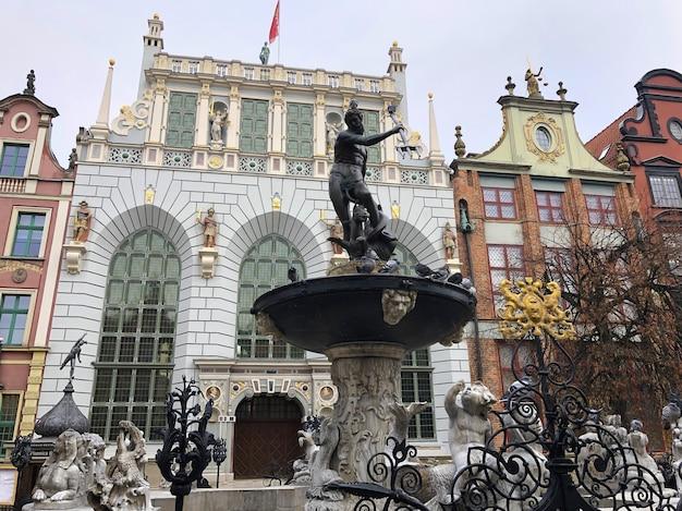 폴란드 그단스크의 구시가지. 도시 경관. 관광 및 레저의 개념입니다.