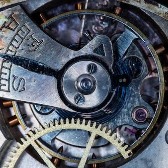 오래 된 시계, 금속 기어를 닫습니다.