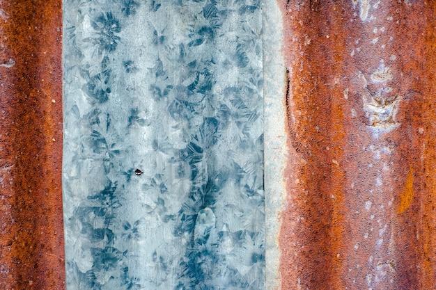 Old colourful zinc wall rusty meta