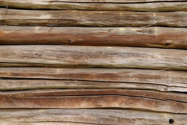 Старые треснувшие деревянные доски фона или текстуры
