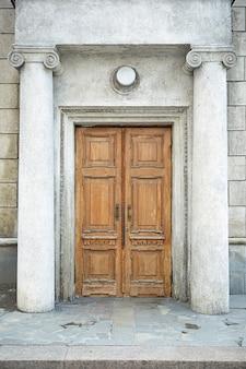 역사 건물의 오래된 문
