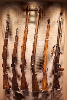 第二次世界大戦中のナチスドイツの古い銃器