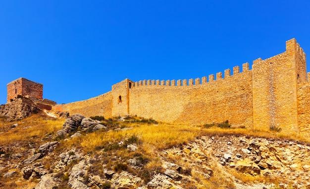 アルバラシンの旧要塞の壁