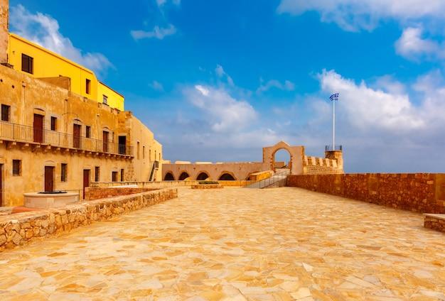 Старая гавань, ханья, крит, греция