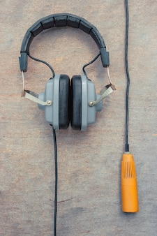 The old headphones and microphone