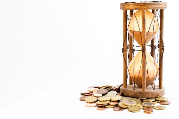 Старые песочные часы (производство индии, xix век) с евро