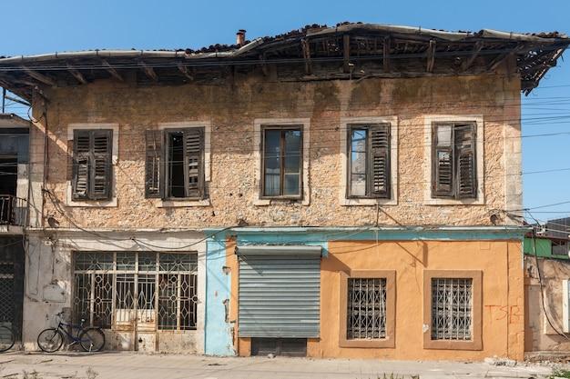 알바니아 도시 shkodra에있는 오래 된 집