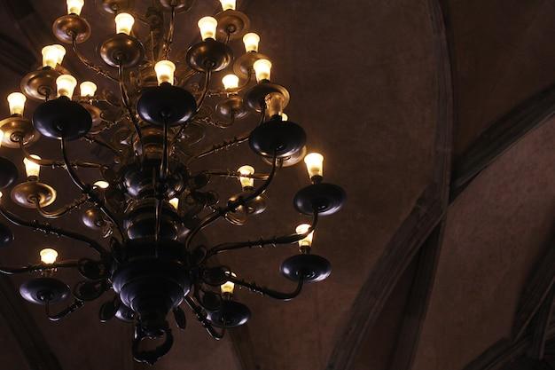 宮殿の古いランプ