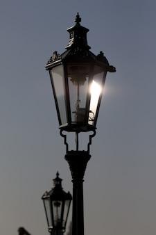 Старый фонарный столб на праге