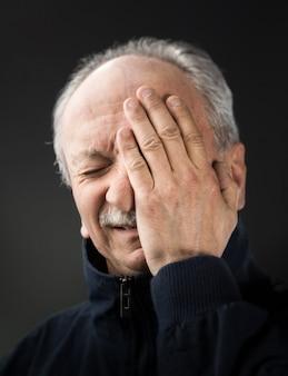 感染症と高温の老人