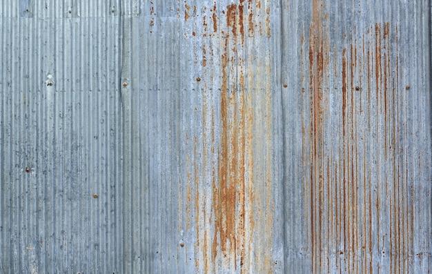 오래 된 금속 시트 지붕 질감 오래 된 금속 시트의 패턴