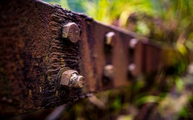 카트만드 네팔의 오래된 모터 예비 부품