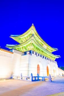 Old palace seoul gate wood