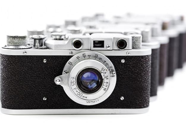 흰색 배경에 오래 된 사진 카메라