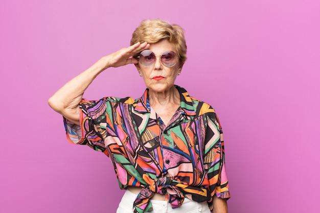 Портрет старой красивой женщины
