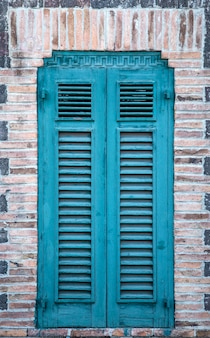 오래 된 시칠리아 창