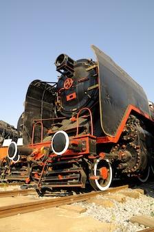 Старый паровоз, расположенный в музее сельчук, турция
