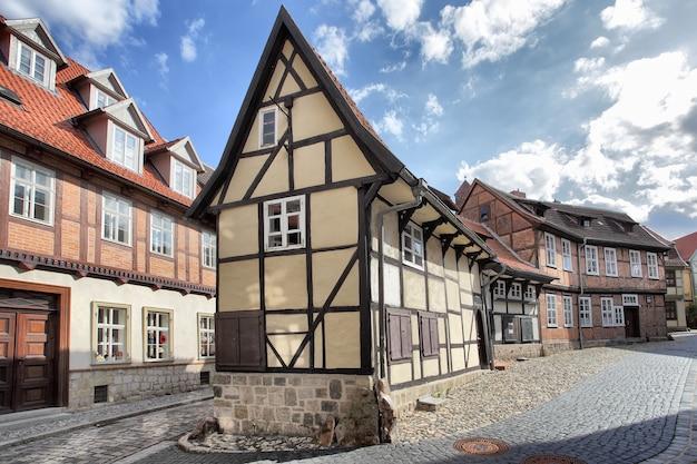 Старые деревянные каркасные дома в кведлинбурге, германия